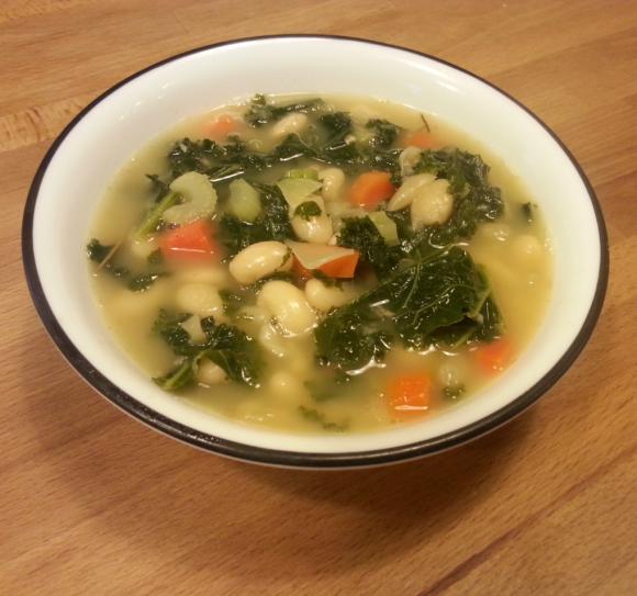 white bean kale soup